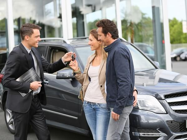 the car salesman How to be a good car salesman being a car salesman isn't just about selling a product to the customer, it's an art and a science personality, appearance, authenticity, and your ability to persuade all play a part in working in a car.