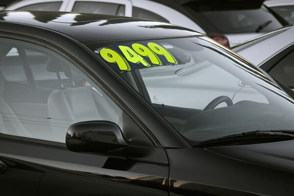 car price displayed on the windshield