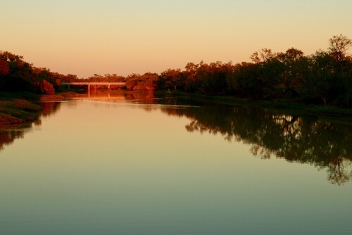 Thomson River at dusk