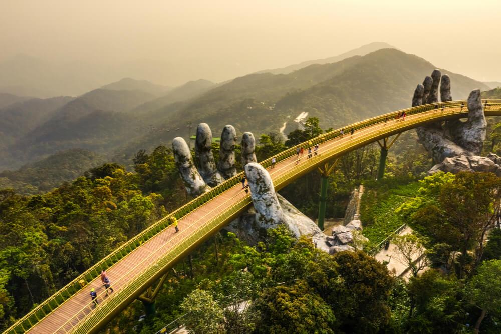 da nang vietnam golden bridge