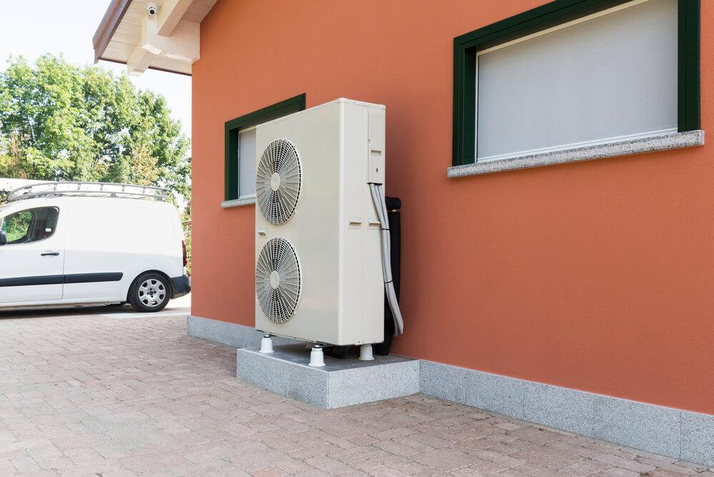 Heat pump hot water system