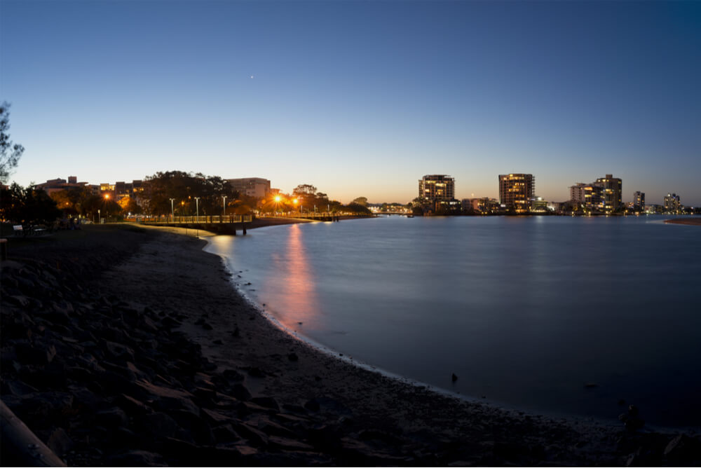 view of maroochydore by night representing cheapest electricity sunshine coast